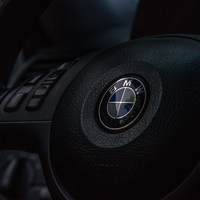 آرم BMW